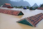 Quảng Bình: Rốn lũ Tân Hóa nhà ngập tới nóc, nước lũ dâng cao hơn 3m