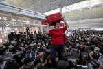 Thua lỗ vì biểu tình, ngành hàng không Hong Kong cầu cứu chính quyền