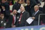 """""""Tôi lo lắng về cái cách ông ấy xây dựng Man Utd"""""""