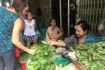 Rau quê bán chạy ở chợ Sài Gòn