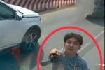 Truy tìm thanh niên cầm kiếm chém vỡ kính ôtô bấm còi xin đường