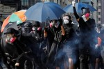 Biểu tình Hong Kong chìm trong bạo lực