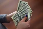 Ngày 25/11: Tỷ giá trung tâm tiếp tục đi lên, giá USD tại ngân hàng vẫn đi ngang