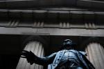 Nhà đầu tư Mỹ bán mạnh cổ phiếu khi Tổng thống Trump muốn lùi thỏa thuận sang năm 2020