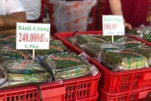 Giò lụa hơn 300.000 đồng/kg vẫn cháy hàng dịp Tết