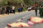 Xe máy đấu đầu xe khách, cả gia đình 3 người tử vong