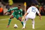 """Hé lộ bê bối """"mua"""" suất lên tuyển Nigeria tại World Cup"""