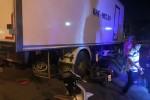 Xe tải va chạm xe máy ở KCN Vĩnh Lộc, 1 người tử vong