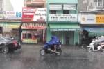 TP.HCM có mưa trái mùa trước đợt nắng nóng đến 38 độ C