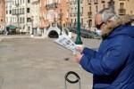 Italy: 368 ca tử vong trong 24 giờ, Thị trưởng Milan đích thân gom khẩu trang