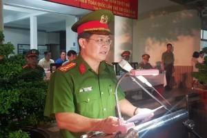 Vừa ra quân, cảnh sát đặc nhiệm TP.HCM bắt được 2 tên cướp nguy hiểm