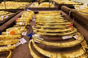 Giá vàng SJC giảm mạnh, người mua lỗ gần 1 triệu đồng/lượng