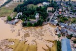 Lũ lụt tàn khốc vùi dập châu Âu, người chết cũng không thể yên nghỉ