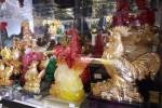 Gà linh vật Trung Quốc tràn ngập thị trường Hà Nội