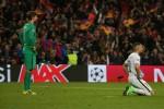 Nợ Barca, PSG hãy còn đốt tiền nữa