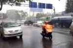 Sài Gòn xuất hiện mưa lớn giữa mùa khô