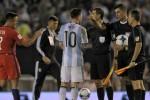 Messi đối diện án phạt sau vụ chửi trọng tài