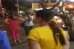 Grabbike và xe ôm hỗn chiến trên phố, cảnh sát nổ súng trấn áp