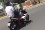 Cảnh sát xử phạt thanh niên lái xe bằng chân đăng ảnh lên Facebook