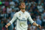 Neymar nhắn tin rủ Ronaldo tới Barca