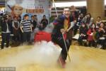 Dân mạng chán ngán khi Lục Tiểu Linh Đồng lại múa gậy Như Ý kiếm tiền