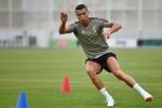 Nhà vô địch điền kinh nể Ronaldo