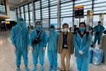 Gần 340 công dân Việt Nam từ Anh về nước